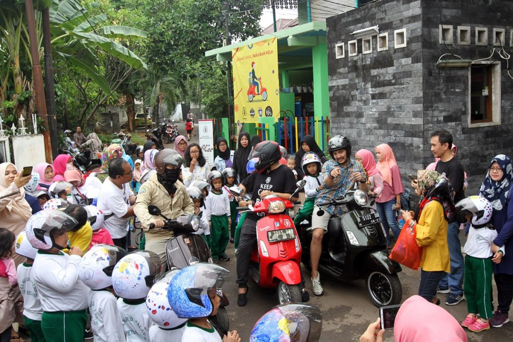 Kampanye Safety Kutu Community Gelar Lomba Mewarnai Helm Anak